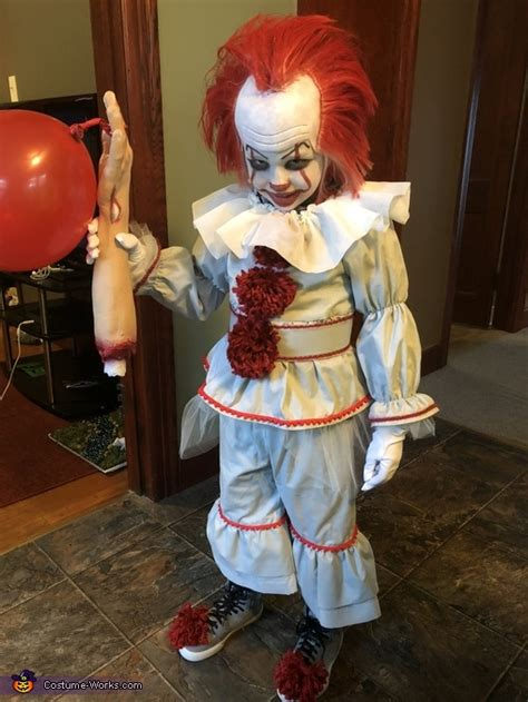great pennywise costume  kids photo