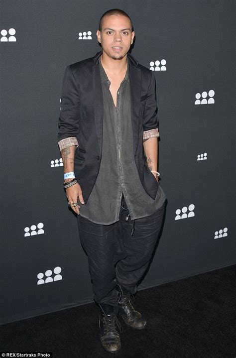 evan ross character in star ashlee simpson s beau evan ross lands role in adaptation