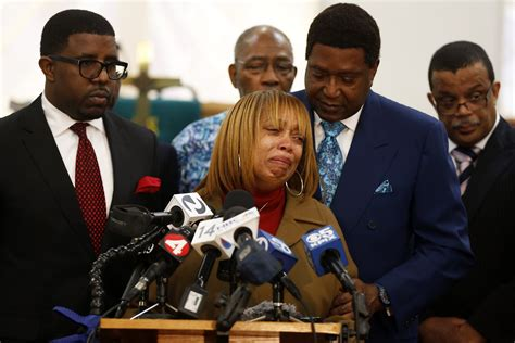 Mario Woods Criminal Record Mario Woods Family Calls For Federal Probes Into S F Killing Sfgate