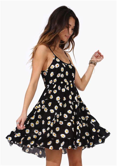 daisy field dress simple  pretty fashion pretty