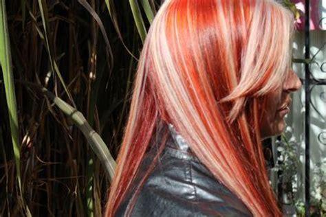 imagenes mechas blancas color del cabello rojo intenso y mechas blancas curso de