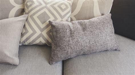 pulizia divani in tessuto divani in tessuto come pulirli e igienizzarli www
