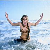 carrie-fisher-leia-beach