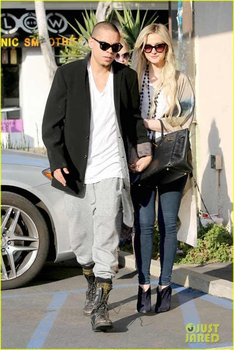 evan ross i want you ashlee simpson evan ross spend wednesday shopping
