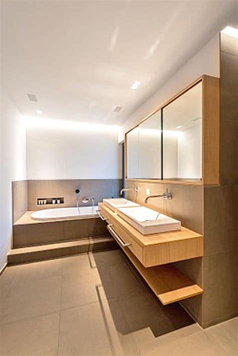 Badezimmer Spiegelschrank Mit Beleuchtung Holz by Die Besten 25 Spiegelschrank Bad Ideen Auf