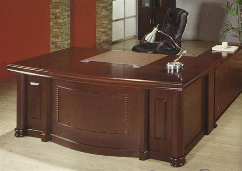 Meja Kantor Geniotech mega meja direktur l berikut credenza type 1833