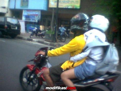 Pentil Bengkok Untuk Modifikasi Motor tips berkendara motor untuk wanita berkerudung