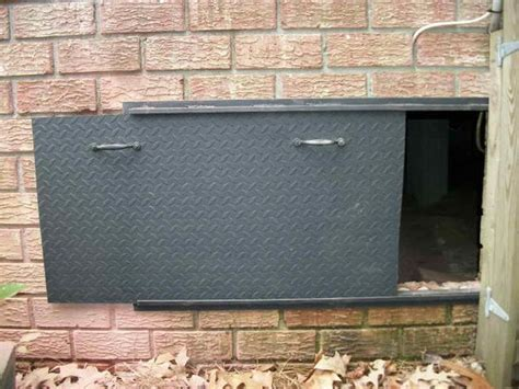 Exterior Crawl Space Door 1000 Ideas About Crawl Spaces On Pinterest Porch Lattice Crawl Space Insulation And Insulation
