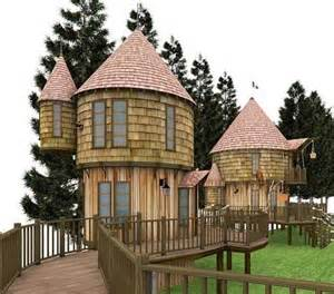 cool hoses fun tree houses this cool tree house looks like it