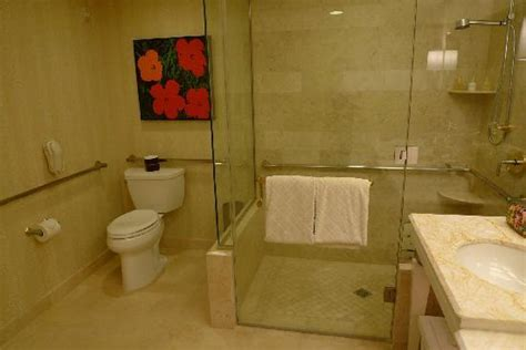 What Is Roll In Shower by Room 5639 Vanities And Tub Picture Of Las Vegas
