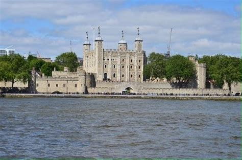 thames river boats tower of london thames river tower of london picture of thames river