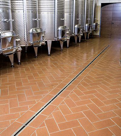piastrelle per cantina giaretta pavimenti pavimento e rivestimento per cantina