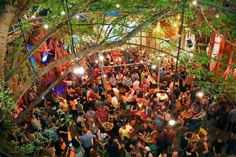 where to in budapest ruin bars spa and