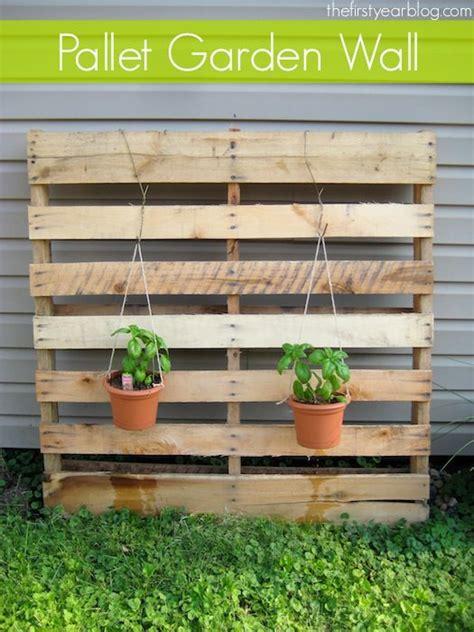 wall pallet garden 25 best ideas about pallet garden walls on