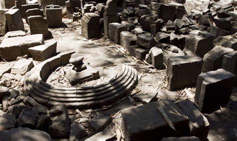 Proxemic Relief Candi Candi Abad Ke 8 10 Agus Aris Munandar Buku 10 candi buddha di jogja yang wajib dikunjungi