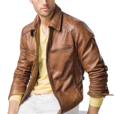 model jaket kulit pria keren  wanita modern terbaru