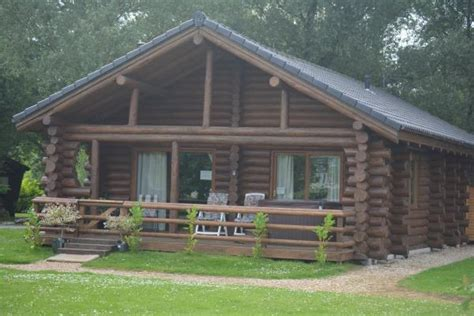 2 bedroom log cabin 2 bedroom log cabin for sale in shank lodge green 4