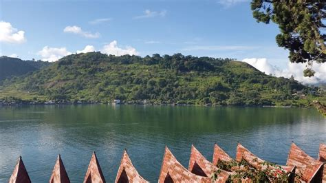 tempat wisata  sumatera utara  wajib dikunjungi