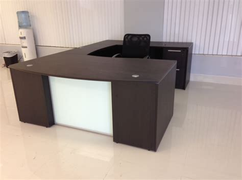 chiarezza bow front u shaped desk with glass panel 72 quot w x