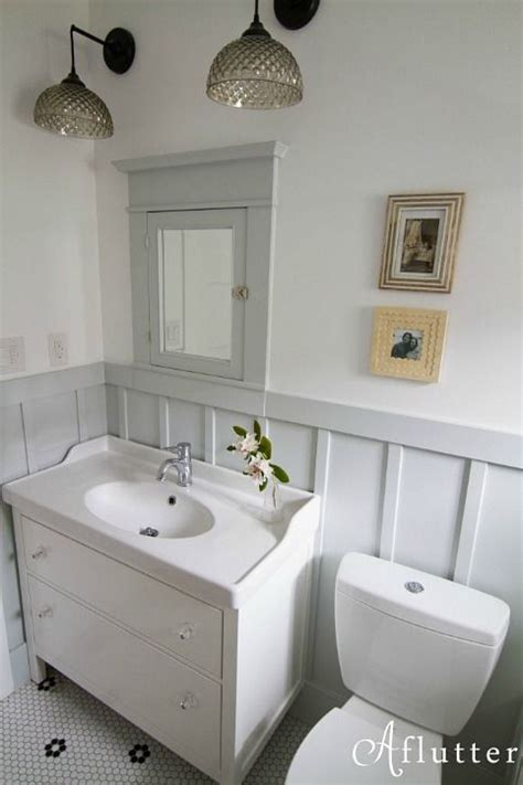 bungalow bathroom ideas how sarah made her small bungalow bath look bigger