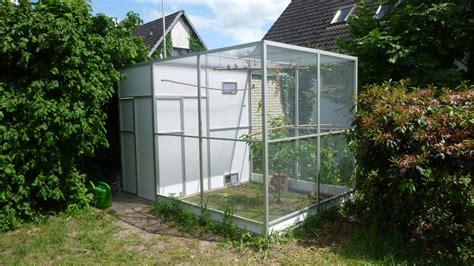 Voliere Im Garten by Wachteln Zebrafinken Zwergh 252 Hnern Zeisigen Kanarienv 246 Geln Und Eine Voliere
