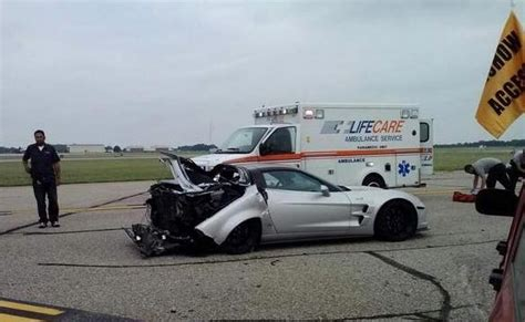 corvette burnout bad corvette zr1 crashes after celebratory burnout at the