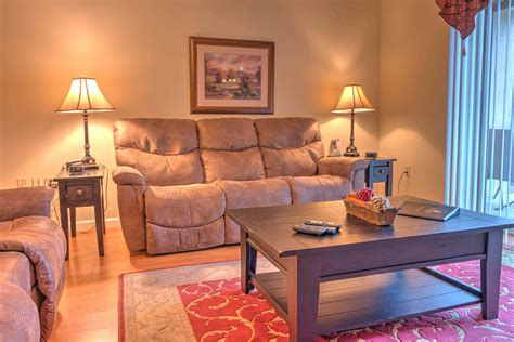 2 bedroom condos in pigeon forge tn river view condo cl703 condo pigeon forge