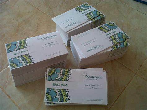 membuat undangan pernikahan  menggunakan kertas