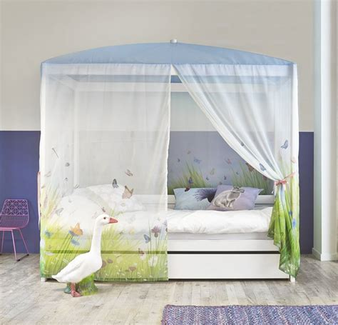 white four poster bed 25 best ideas about girls canopy beds on pinterest