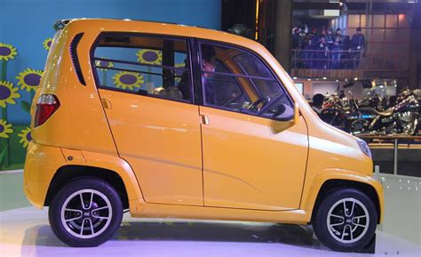 bajaj four wheeler bajaj re60 the low cost 4 wheeler car pictures images