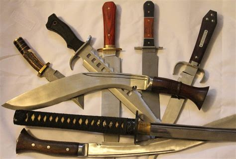 kukri knife fighting bowie knife vs kukri knife what s your fighting knife