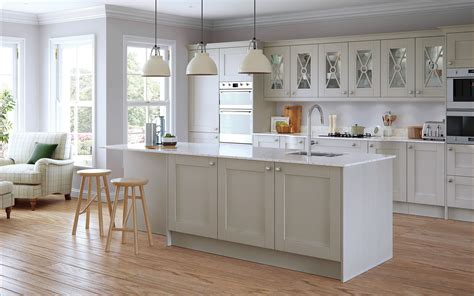 Light Grey Shaker Kitchen Shaker Kitchen Doors Painted Light Grey Uform