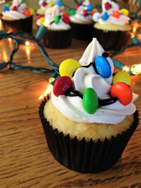 Stranger Things Fan Makes Cupcakes For Hopper Dustin Cupcake Lights