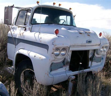 chevy semi truck 1959 chevrolet series 5000 lcf low cab forward 2 ton semi