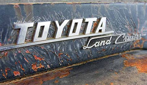 logo toyota land cruiser 19 best toyota land cruiser logos badging images on