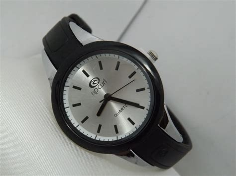 Jam Tangan Alba Untuk Remaja jam tangan ripcurl echo small rubber jual jam tangan ripcurl
