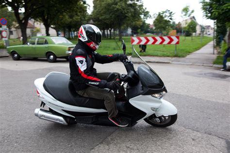 125 Motorrad Bilder by Suzuki Burgman 125 Motorrad Fotos Motorrad Bilder