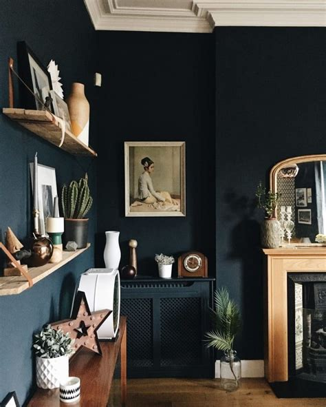 dark blue paint living room best 20 dark blue walls ideas on pinterest navy walls