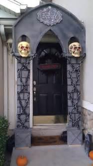 Decorating Door For Halloween 40 Cool Halloween Front Door Decor Ideas Digsdigs
