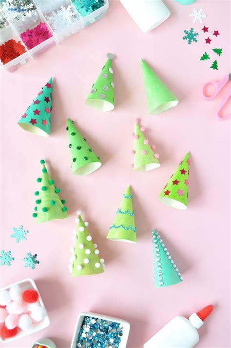 manualidades arbol de navidad originales manualidades de navidad 193 rbol con un cono de helado fiestas y cumples