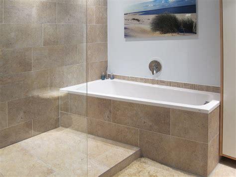 Dusche Mit Badewanne by Kleine B 228 Der Mit Dusche Und Badewanne