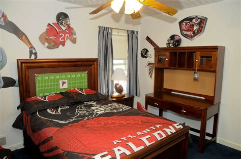 rooms to go atlanta falcons room from rooms to go falcons living rooms to go football bedroom bedroom decor