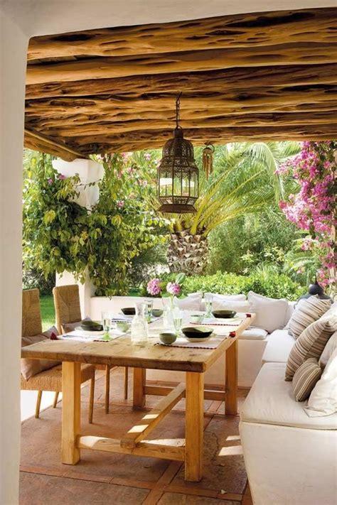 ecksofa orientalisch terrasse ideen gestalten ecksofa holz esstisch leuchte