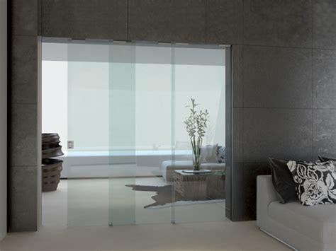 mostre porte interne porte e sportelli invisibili filo muro porte scorrevoli