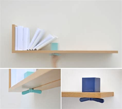shelf with adjustable bookends