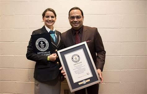 Santa Rosa Records Gilberto Santa Rosa Entro Al Guinness World Records Wow La Revista