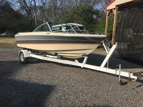 bowrider boats for sale in tennessee 1985 cobalt bow rider runabout powerboat for sale in tennessee