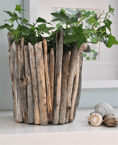 diy driftwood crafts fill your home with 45 delicate diy driftwood crafts useful diy projects