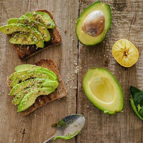 avocado in cucina avocado perch 232 fa cos 236 bene e come usarlo in cucina