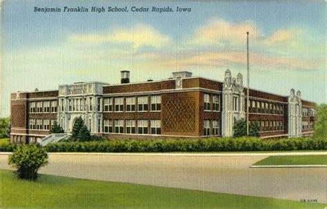 Post Office Cedar Rapids by County Ia Postcards
